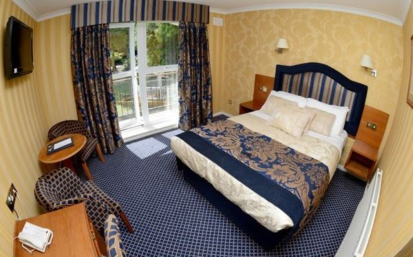 One Night Break for Two at Buckatree Hall Hotel Shropshire Dreamdays Experience 3