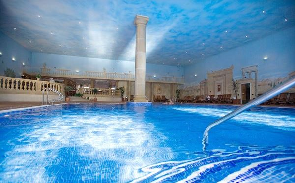 One Night Spa Break with Treatment and Dinner for Two at Whittlebury Hall Dreamdays Experience 3