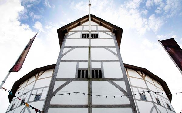 Shakespeares Globe Exhibition and Tour for Two Dreamdays Experience 1