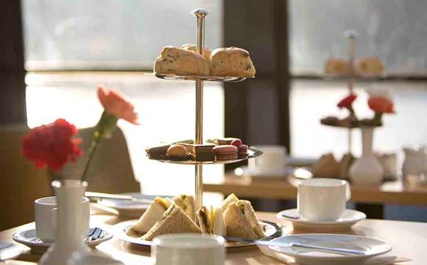 Traditional Afternoon Tea on the Thames for Two Special Offer Dreamdays Experience 1