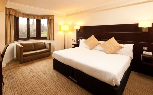Two Night Hotel Break at the Mercure Edinburgh Princes Street Dreamdays Experience 1