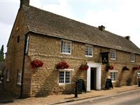 One Night Break at The Queens Head Inn with Dinner for Two
