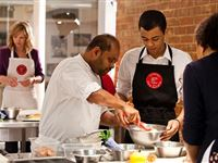 Street Food Experience - 30 minute cookery lesson at Latelier des Chefs